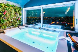 Loft-hôtel privatif et jacuzzi sur les toits de Toulouse Parenthèse Concept Room